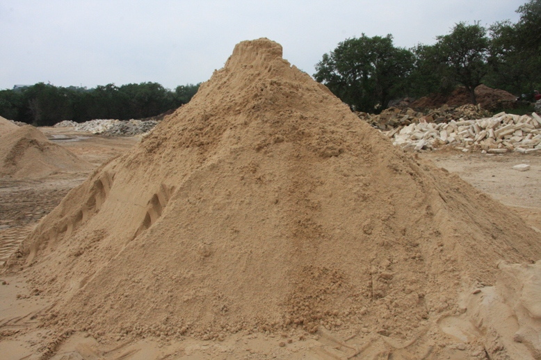 King of the Sandpile